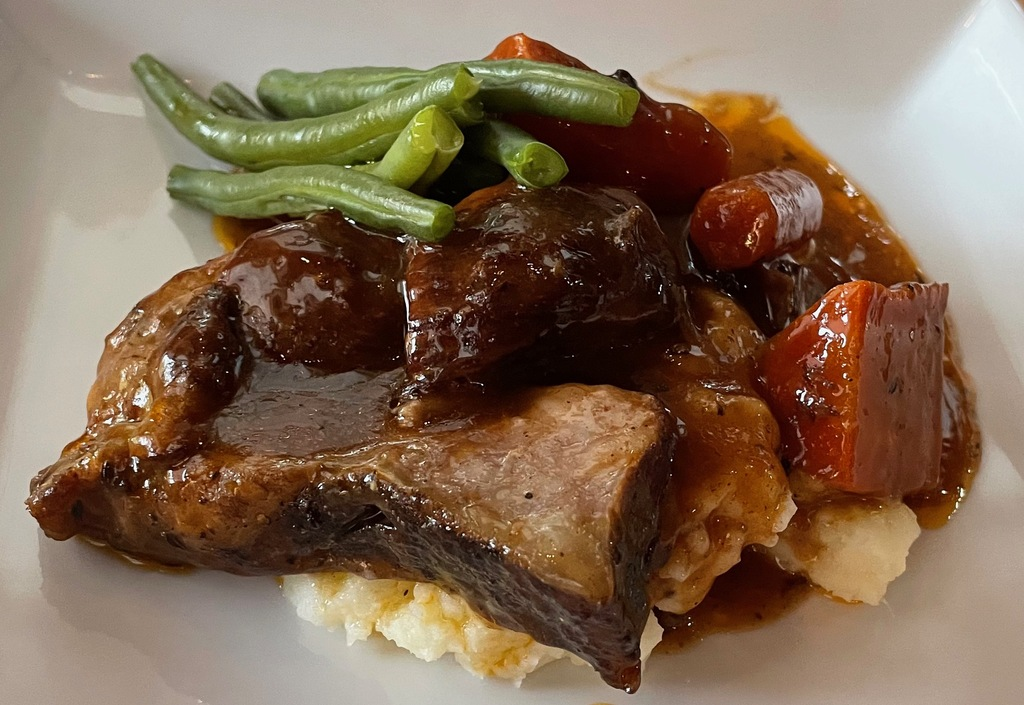 Slow Cooker Beef Short Ribs with Mashed Potatoes and Carrots